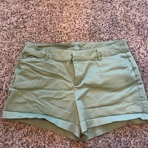 Old Navy Pixie Cut mid-rise shorts